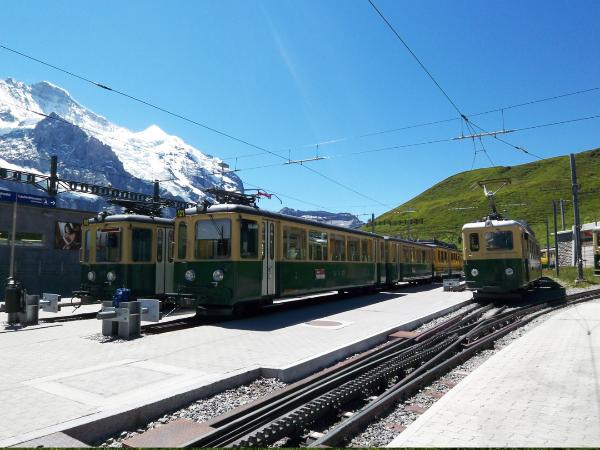スイス旅行おすすめの時期や季節、費用と持ち物リストまとめ